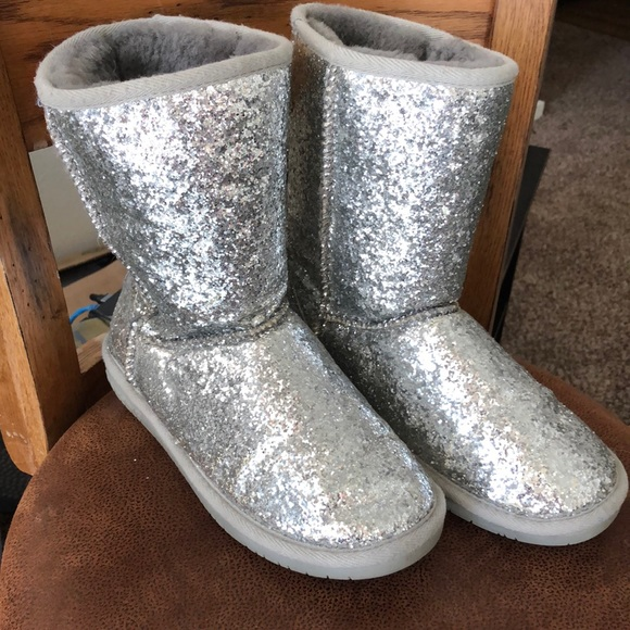 Bearpaw Silver Sparkle Boots